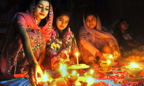 How to Celebrate Diwali