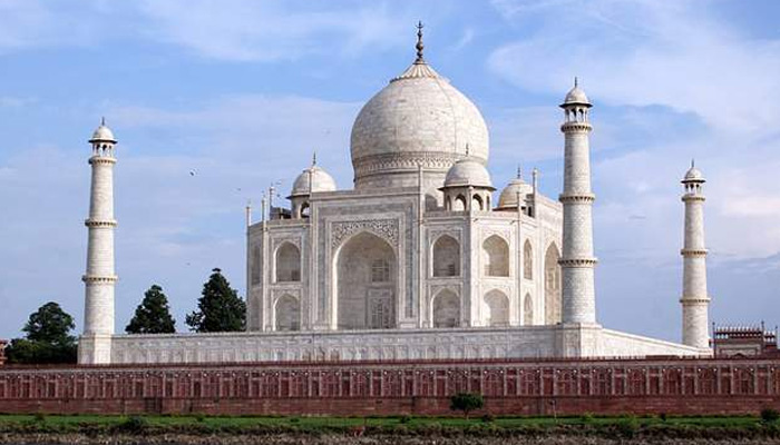 Taj Mahal a Blot on Indian Culture